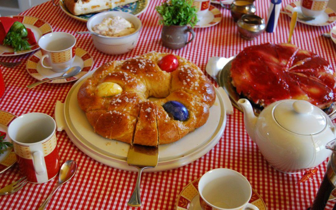 Der Frühling auf dem Backblech: Ein Osterkranz!