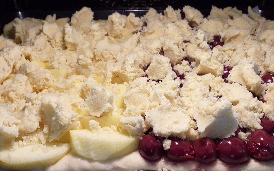 Aus Omas Küche: Streuselkuchen mit Obst